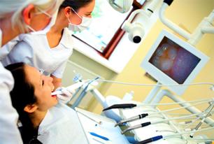 I vari modi di operare negli studi dentistici e la loro influenza sui costi