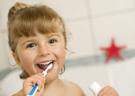 +15% carie bimbi, prevenzione anche a scuola