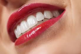 Solo 1 italiano su 6 attento ai denti