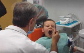 Bimbo di 5 aa guarito da paura del dentista con protossido: testimonianza.